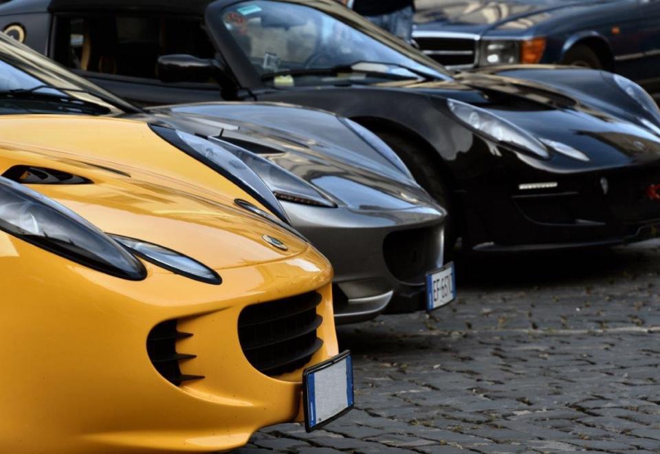 Lotus Elise en Lotus Exige goedkoop verzekeren bij Erard, maak ook uw eigen simulatie en vergelijking